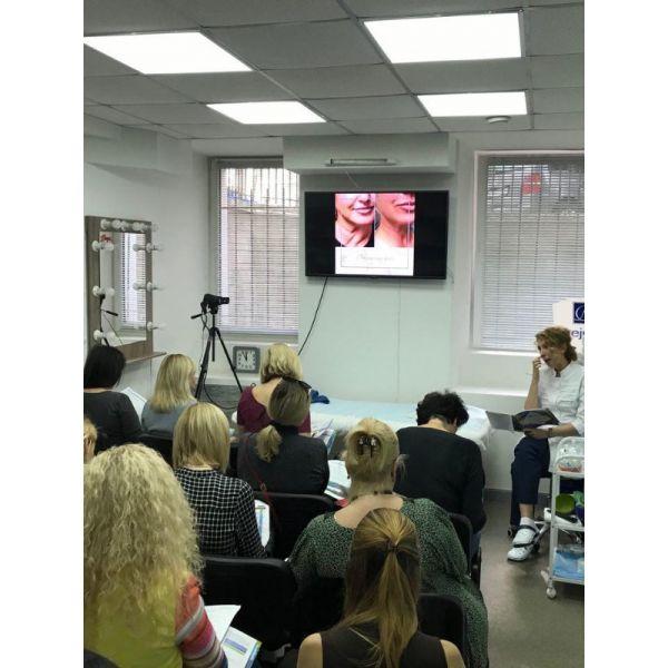 Практический семинар: Ретиноловый пилинг. Ферментативно- кислотный пилинг pH= 1,2; AHA - пилинги; Работа с периорбитальной зоной. Лечение купероза